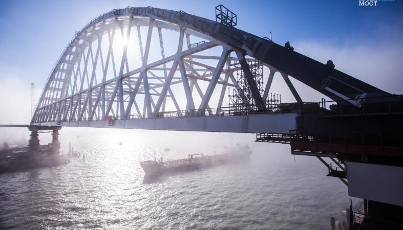 Назван лидер голосования по наименованию моста вКрым