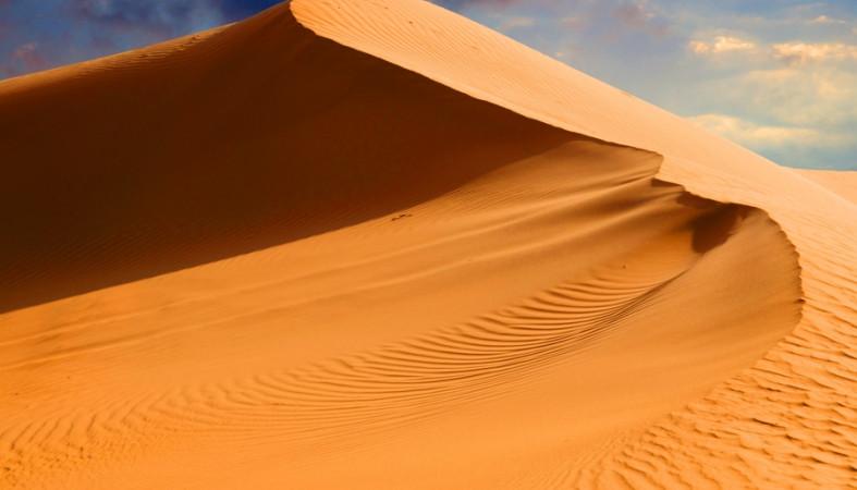 Новогоднее чудо изкосмоса: NASA опубликовало кадры Сахары вснегу