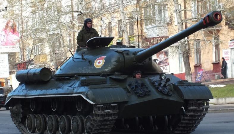 ВВолгограде военные проведут две репетиции парада Победы