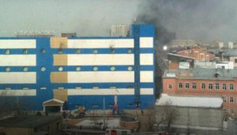 В Москве горит ТЦ