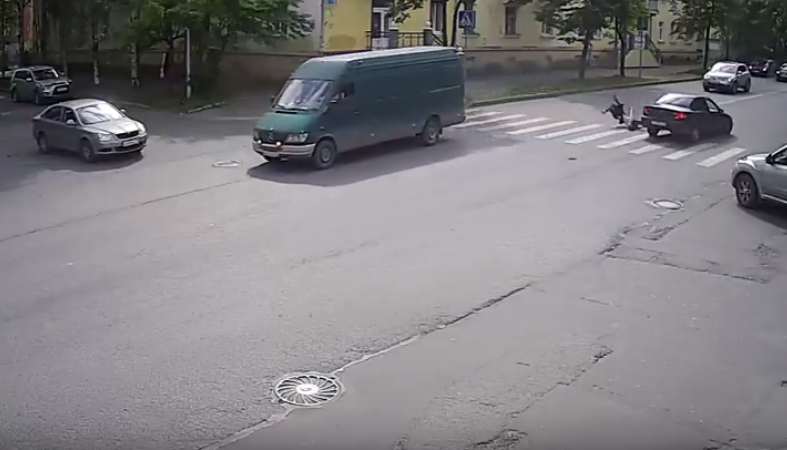 ВПетрозаводске шофёр  иномарки сбил 12-летнюю школьницу