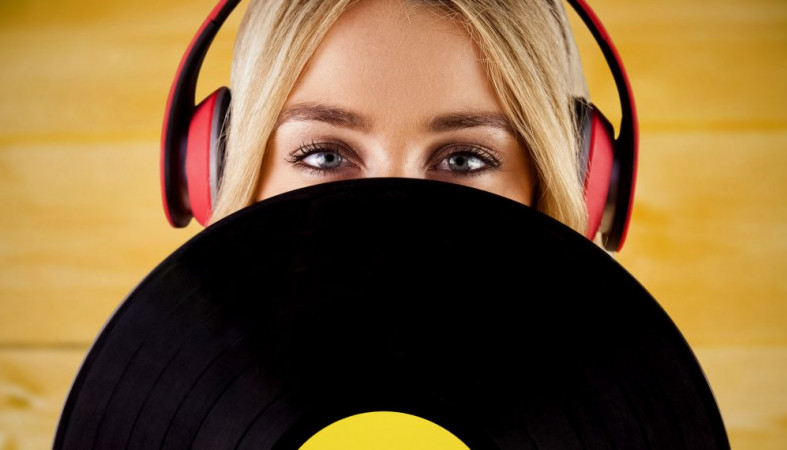 Названа наиболее популярная песня лета у граждан Красноярска