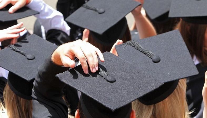 Государственная дума  желает  сделать непременное  распределение студентов, которые получают образование засчет бюджета