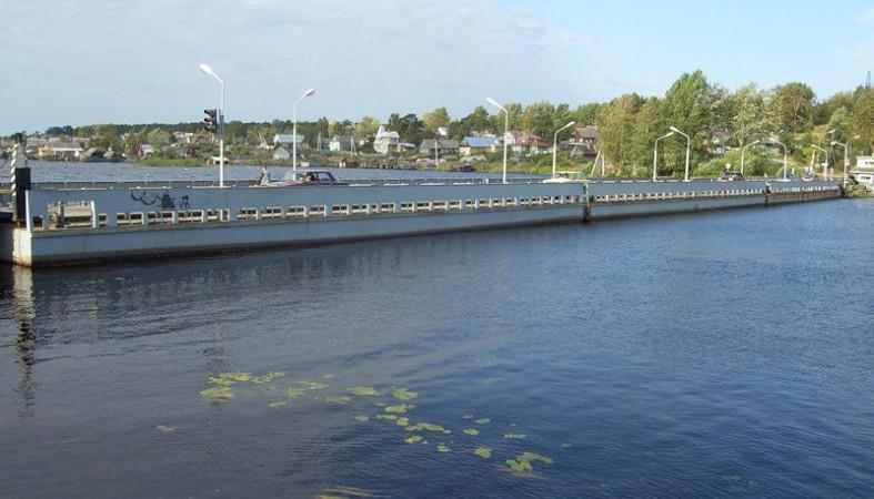 Сегодня вПетрозаводске собирают наплавной мост вСоломенном