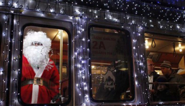 Деды Морозы прокатятся поПетрозаводску насказочном троллейбусе