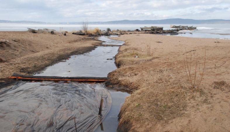 Генпрокуратура подала всуд намэрию зазагрязнение Онего нефтепродуктами