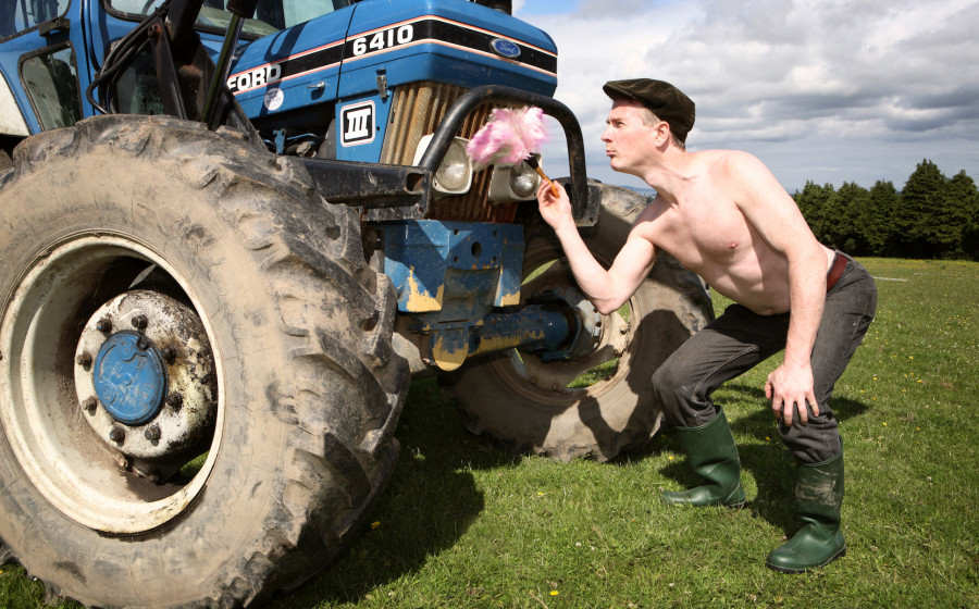 Праздник каждый день - поздравлялка раздела Тракторы